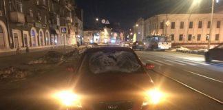 В Харькове водитель KIA сбил на пешеходном переходе парня и девушку - today.ua