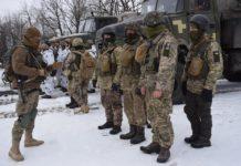 Військові з передової зворушливо привітали улюблених з Днем святого Валентина: опубліковано відео - today.ua