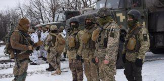 Военные с передовой трогательно поздравили любимых с Днем святого Валентина: опубликовано видео - today.ua