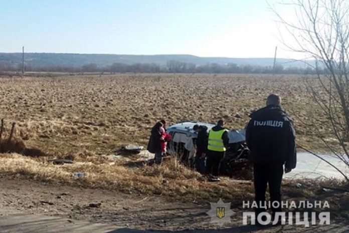 На Прикарпатье произошло смертельное ДТП: погибла женщина-водитель - today.ua