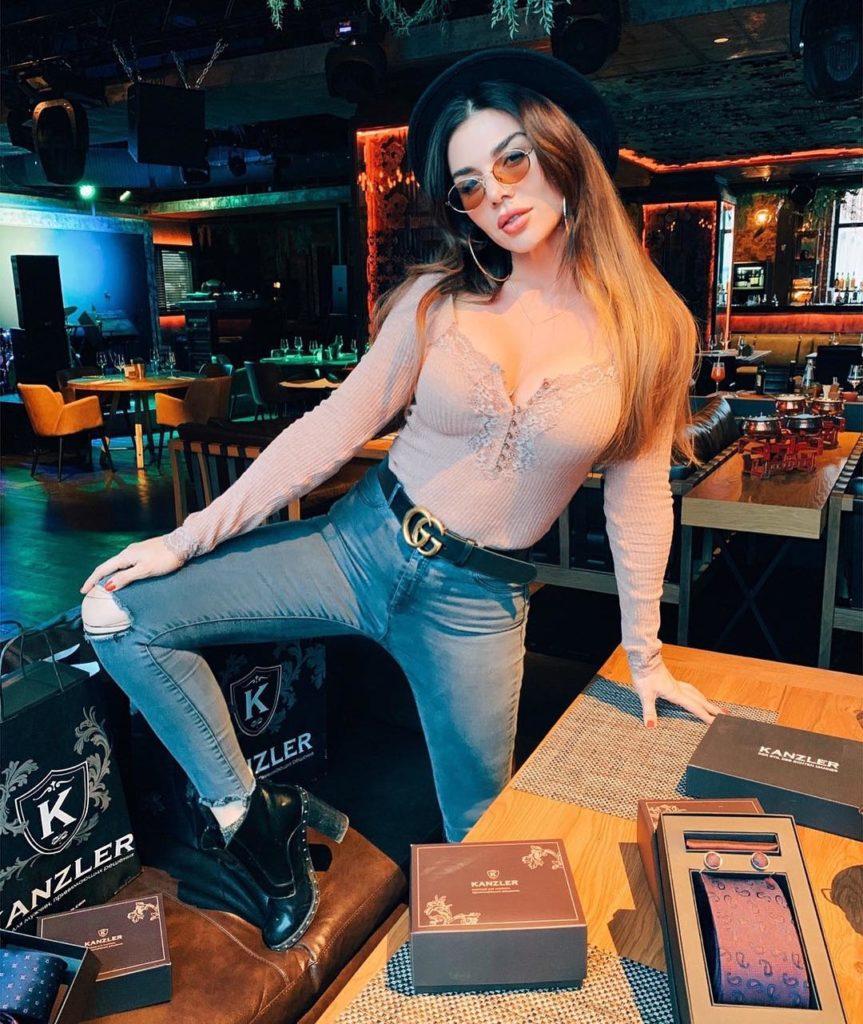 Анна Седокова рассказала, что нужно дарить мужчинам