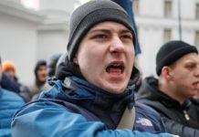 Російське генконсульство в Харкові закидали зеленкою та яйцями: опубліковано відео - today.ua