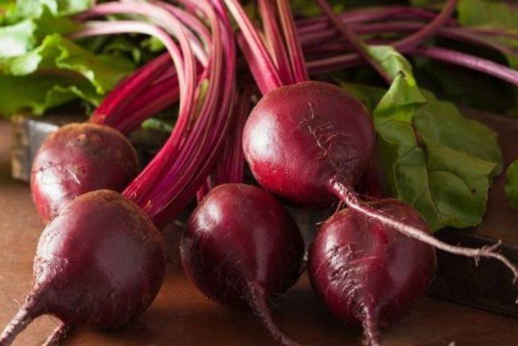 В Україні різко подешевшав буряк: скільки коштує овоч на ринках, і коли чекати подорожчання