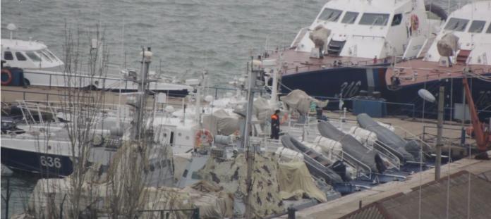 Окупанти у Керчі перемістили та замаскували затримані українські кораблі - today.ua