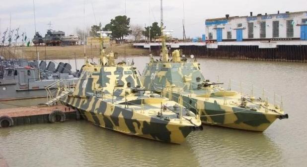 """Азовське море охоронятимуть броньовані """"Кентаври"""": в Генштабі розкрили подробиці"""