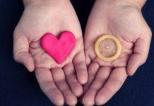 В канун Дня святого Валентина киевлян научат правильно пользоваться презервативами: опубликован адрес - today.ua