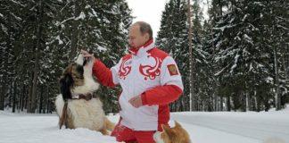 У Росії до приїзду Путіна місто завалили снігом і ялинками: опубліковано відео - today.ua