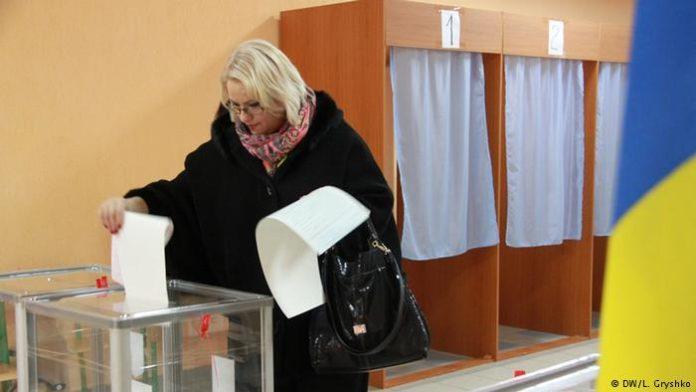 Порошенко пообіцяв не допустити спостерігачів з Росії на президентські вибори - today.ua