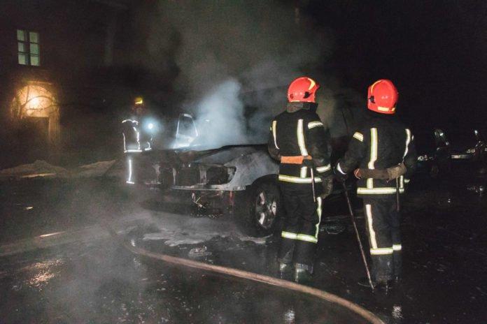 У столиці спалили автомобіль депутата від «Свободи» - today.ua