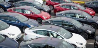 Седан Tesla Model 3 готові віддати в лізинг - today.ua