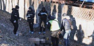 В Киеве возле метро нашли труп молодой женщины: опубликовано видео - today.ua