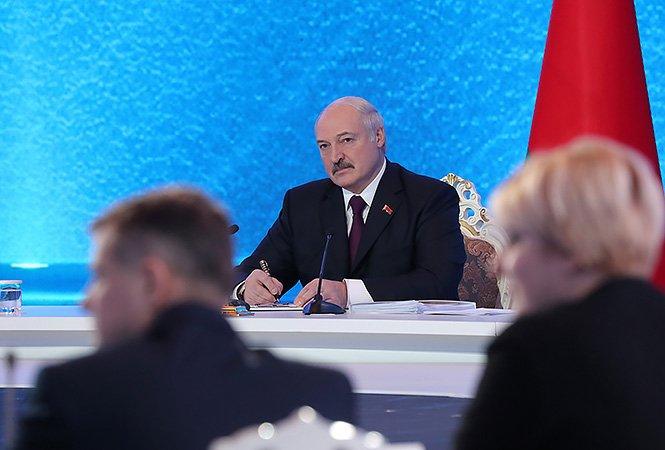 Белорусы хотят быть вместе с Россией, но &quotжить в своей квартире&quot - Лукашенко - today.ua