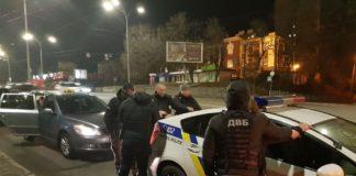 У Києві на хабарі затримали двох патрульних - today.ua