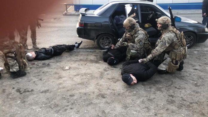 В Днепре задержали злоумышленников, которые ограбили и пытали бывшего нотариуса и его супругу - today.ua