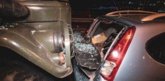 У Києві військова вантажівка влетіла в авто з дитиною в салоні - today.ua