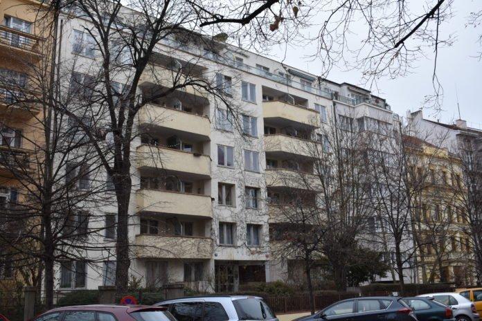Російське посольство незаконно заробляє на квартирах у Празі - today.ua