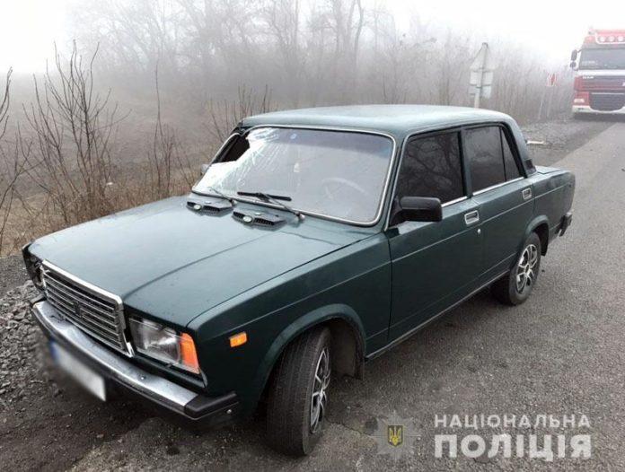 На Донбассе легковушка насмерть сбила 31-летнего мужчину - today.ua
