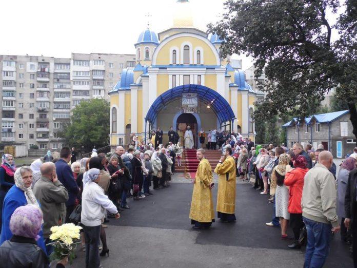 У Хмельницькому іноземець обікрав храм ПЦУ - today.ua