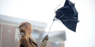 Дощі та штормовий вітер: синоптики розповіли про погоду на завтра - today.ua