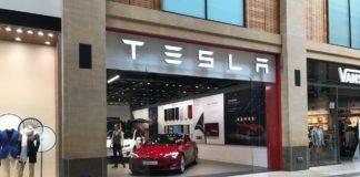 Tesla закриває автосалони: стала відома причина - today.ua