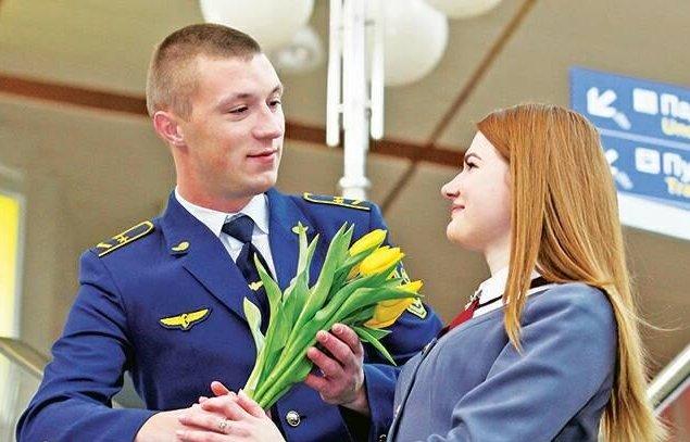 """До свята 8 березня """"Укрзалізниця"""" запускає ще два потяги"""