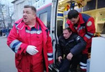 Аваков пообіцяв притягнути до відповідальності винних у побитті поліцейських - today.ua