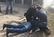 Працівника кримінальної поліції спіймали на хабарі: опубліковане відео - today.ua