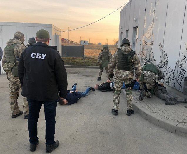 """СБУ &quotпов'язала"""" групу рекетирів під керівництвом фальшивого &quotпрокурора"""" - today.ua"""