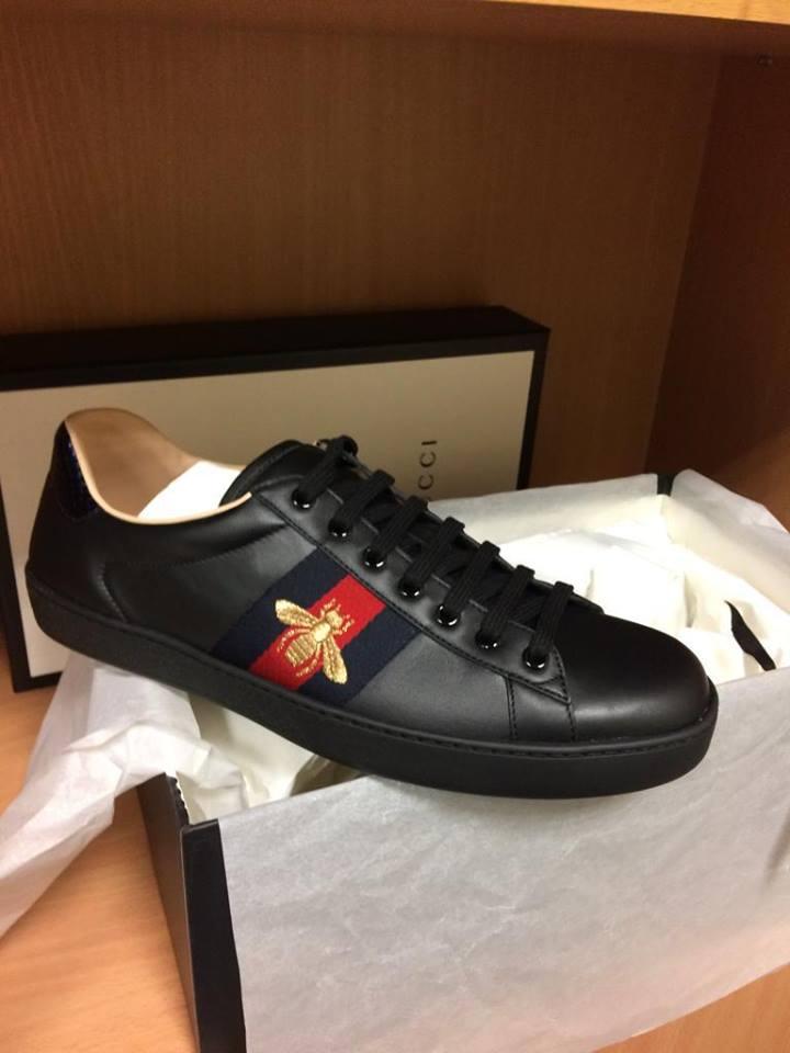 У жінки в аеропорту вилучили брендового італійського взуття на 600 тис. гривень