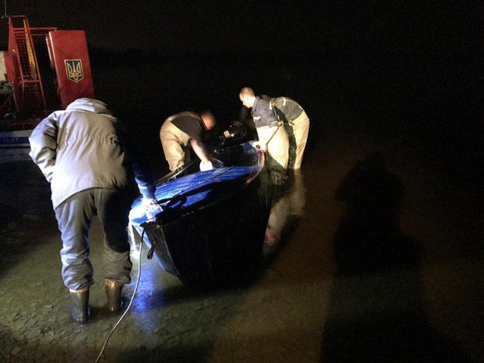 На Полтавщині перекинувся човен: шукають чотирьох людей - today.ua