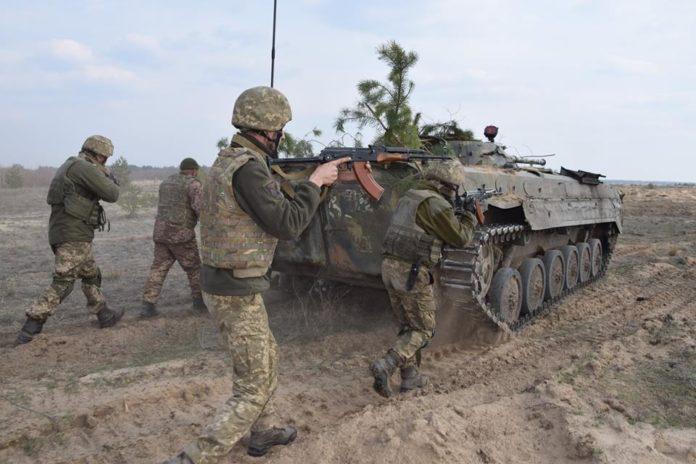 На Донбасі почалось розведення військ: Пристайко виступив з офіційною заявою - today.ua
