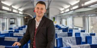 """Неадекватний пасажир у потягу побив працівника """"Укрзалізниці"""" - today.ua"""