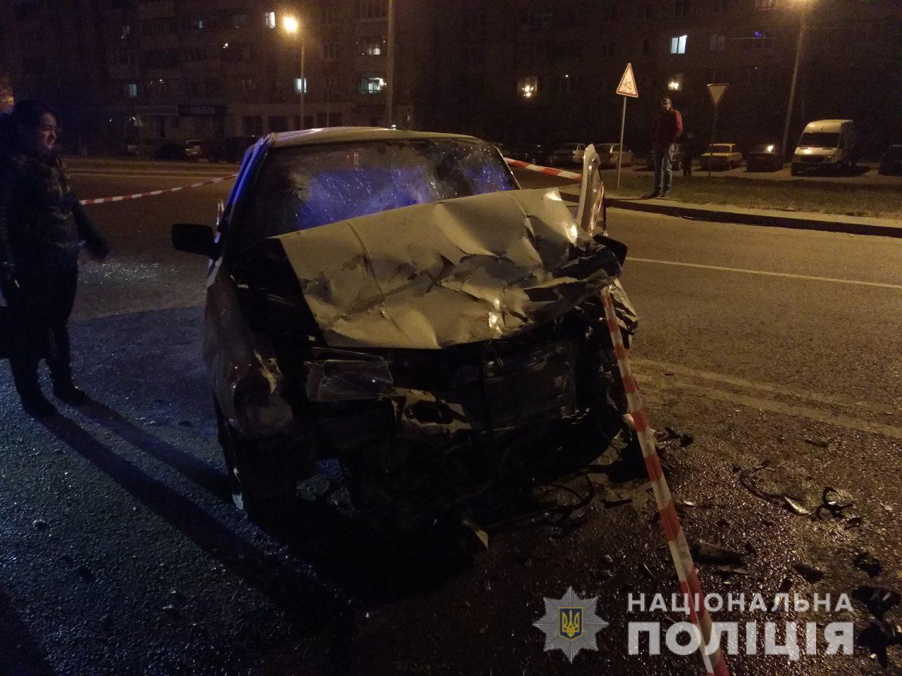 """У Львові сталася """"п'яна"""" ДТП: постраждало шестеро осіб"""