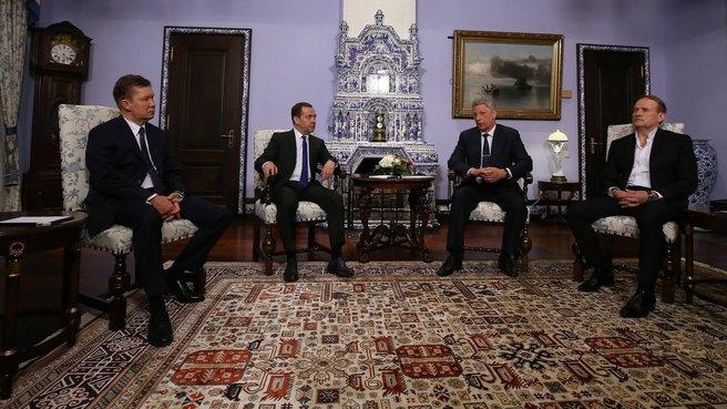 Один из кандидатов в президенты Украины ездил в Россию на переговоры с Медведевым - today.ua