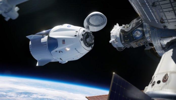 Новый корабль Илона Маска успешно состыковался с МКС - today.ua