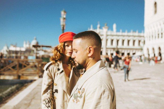 Монатік вперше розповів історію знайомства з дружиною - today.ua