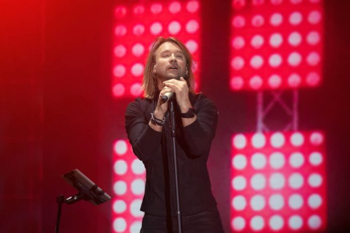 Фанатка Олега Винника заплатила штраф за попытку срыва концерта - today.ua