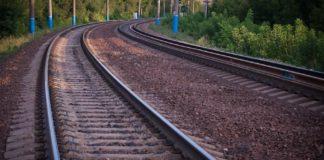 На Київщині потяг на смерть збив молодого хлопця - today.ua