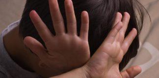 Булінг у школі: батьків підлітка покарали за знущання над однокласником - today.ua