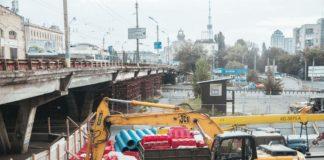 Закрытие Шулявского моста: киевляне жалуются на масштабные пробки - today.ua