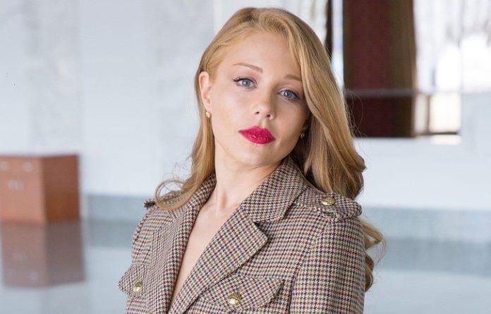 Тина Кароль появилась перед публикой в откровенном мини-платье - today.ua