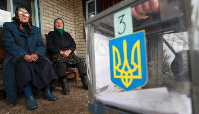 Пьяный сотрудник УИК разносил приглашения на выборы, путая адреса - today.ua