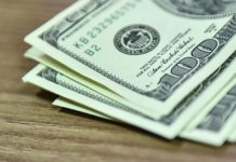 Курс доллара снова подскочил: валюта США подорожала еще на 8 копеек - today.ua