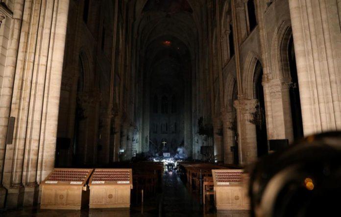 З'явились фото Собору Паризької Богоматері після пожежі - today.ua