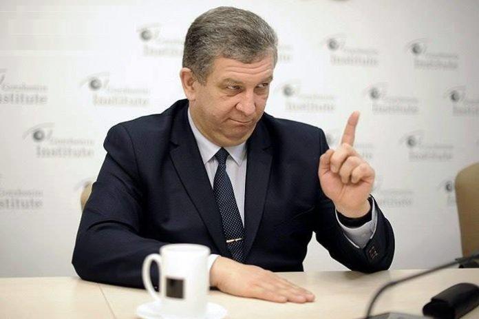 Рева пояснив, кому на окупованих територіях не варто платити пенсії - today.ua