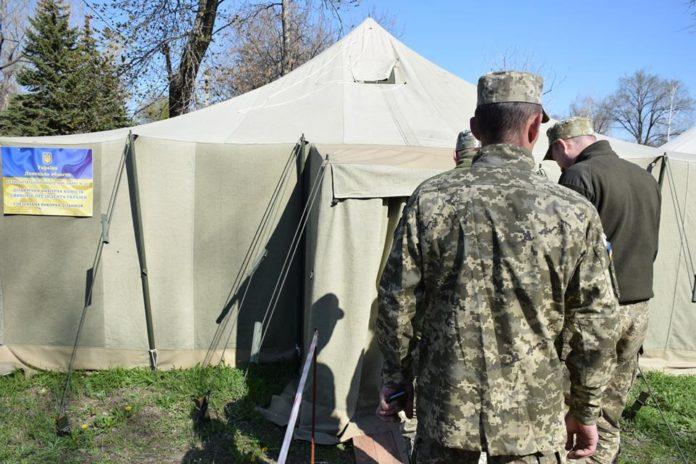 В сети показали, как голосовали бойцы ООС на Донбассе - today.ua