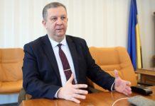 Рева розкритикував виплату пенсії українцям, які проживають за кордоном - today.ua