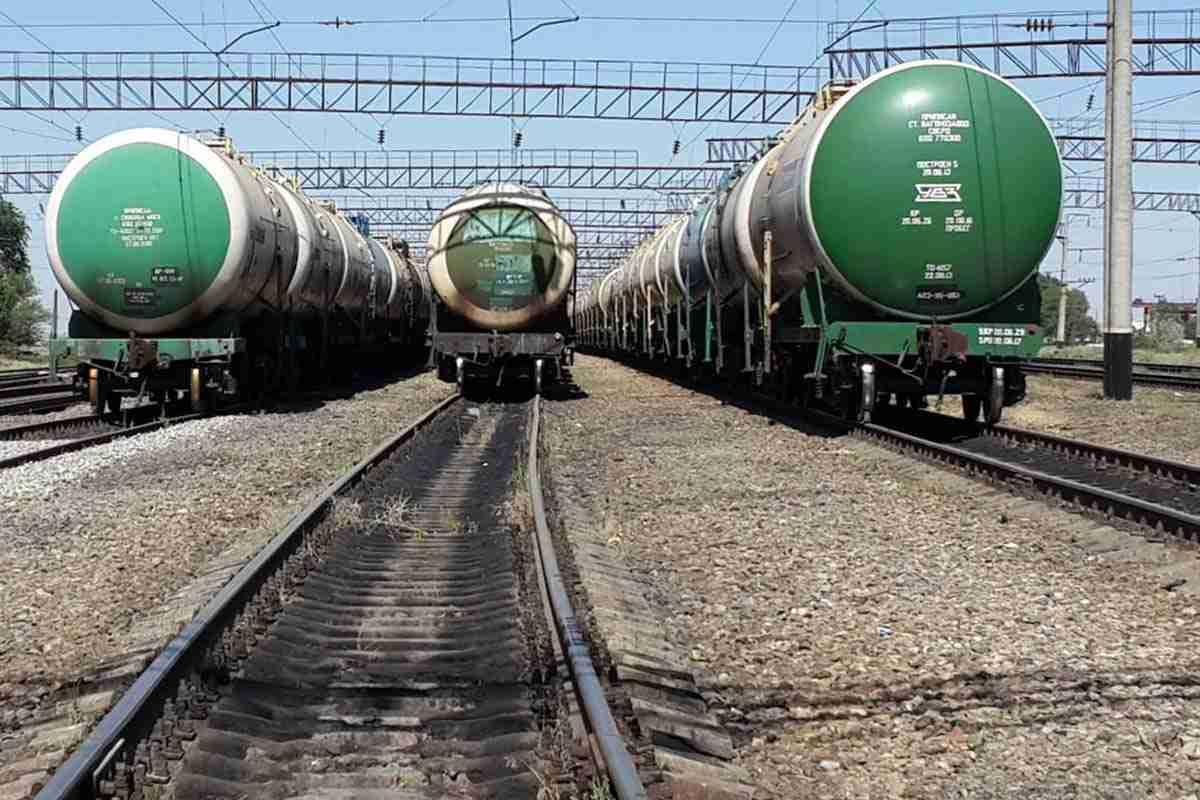 Беларусь остановила поставки бензина в Украину: названа причина - today.ua