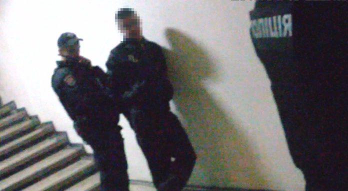 Рецидивіст у день свого звільнення з в'язниці пограбував підлітка - today.ua