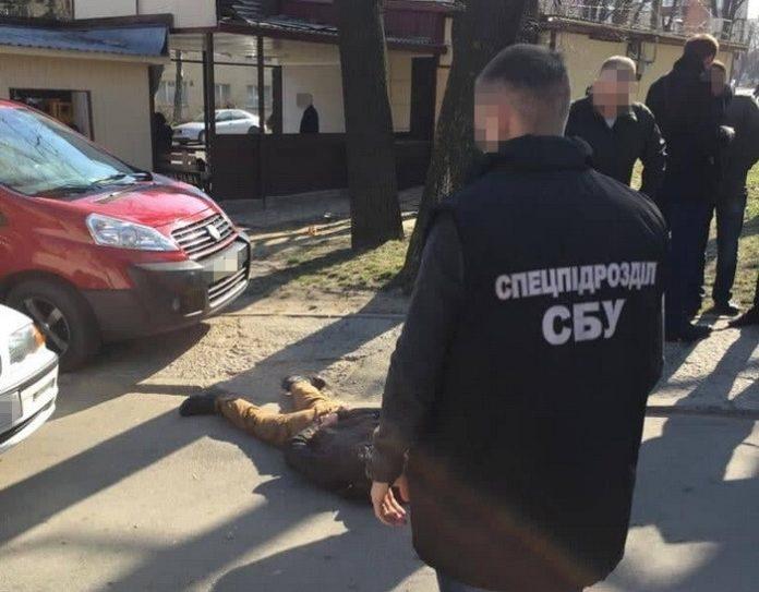СБУ задержала рэкетира, который требовал 54 тысячи гривен - today.ua